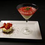 Cheesecake met gemarineerde aardbeien