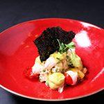 Krab met tomaat, avocado, yoghurt en kerrie
