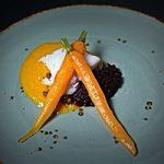 Heilbot met wortelsaus