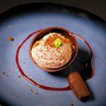 Variatie van peer, chocolade en amandel crème